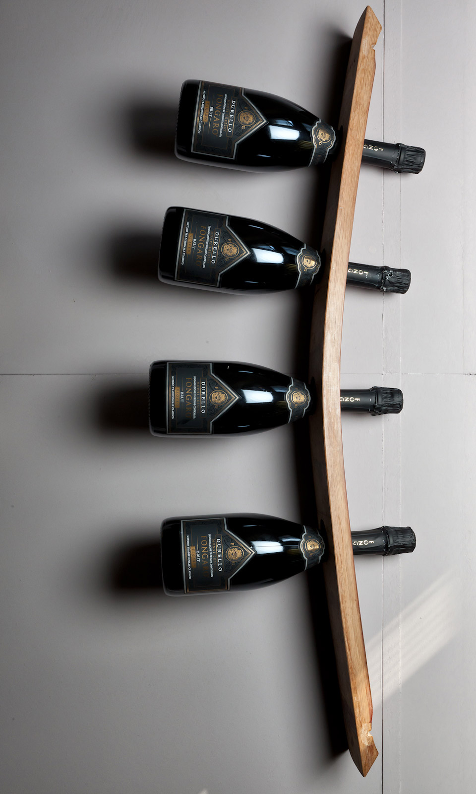 porta bottiglie da parete con doghe. Black Bedroom Furniture Sets. Home Design Ideas