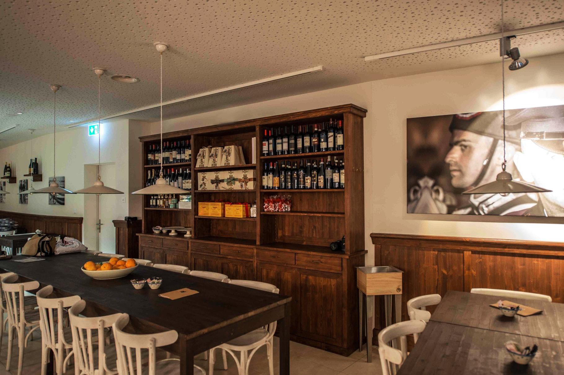 Arredamenti per enoteche trattorie ristoranti e alberghi for Arredamenti per ristoranti